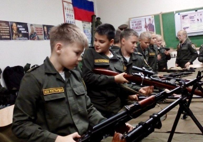 Практические занятия начались у учеников оборонно-спортивного класса Росгвардии Центра образования №29 Череповца